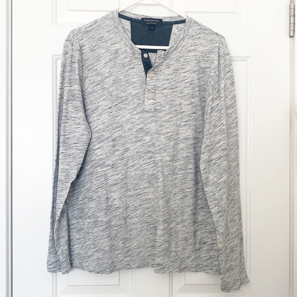 Banana Republic Size Medium Gray Space Dye Henley